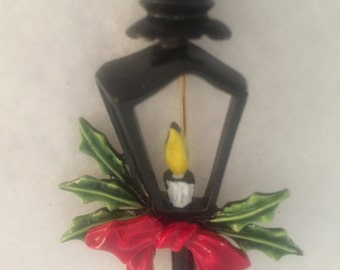 Vintage Christmas Lantern Brooch by ART