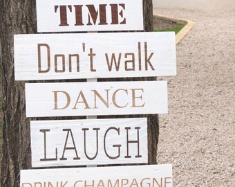 Panneaux en bois  pour mariage ou fête . Pancartes mariage bois.Panneaux mariage bois. Wedding sign directions