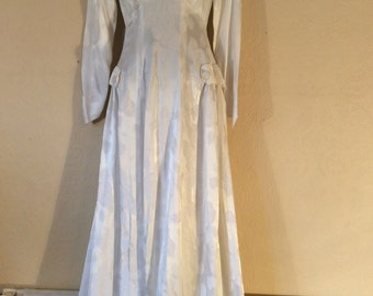 1940s/50s ivory embossed wedding gown