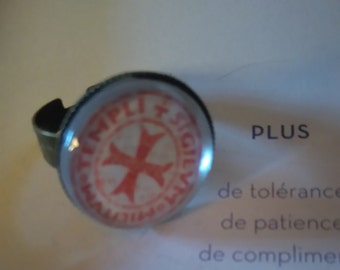 ring color ancient cross of the Knights Templar