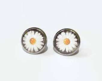 Flower studs, Daisy Earrings, Daisy Flower Earrings, Daisy Studs, hypoallergenic studs, 12mm studs, stainless steel studs, Daisy Jewelry