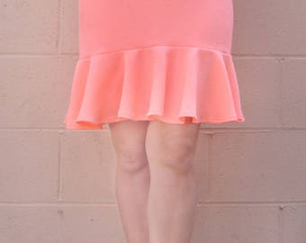 Neon Salmon-pink Mini Skirt with ruffle. Size M, New