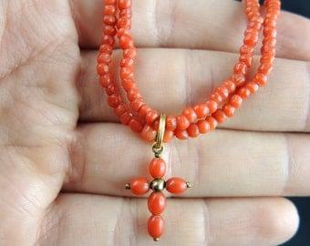 Collier ras de cou orné d'une croix et de perles de corail - XIXème Siècle//Short necklace with a cross and coral -19th century