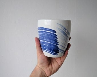 Ceramic Modern Vase // Blue and White // Totally Handmade ( NO MOLD USED)