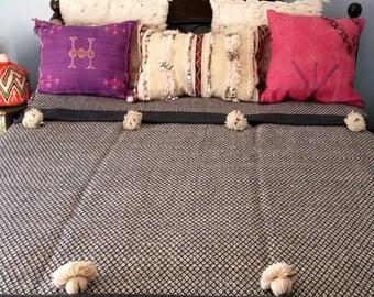 Wool Moroccan blanket with tassels - handmade