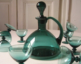 Dark green glass wine decanter / handle with Cap glass decanter / Emerald / liquor decanter / liquor decanter / Vintage