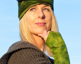 Arm warmers by Eagle/Hat design