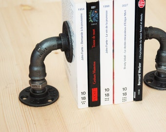 Lot of 2 bookends black cast-iron plumbing fitting