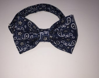 Western navy blue paisley bow tie