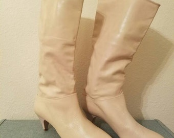80's Ivory Leather Slouch Boots, Vintage 80s Boots, Vintage Ivory Boots, Vintage Slouch Boots, 80s Slouch Boots, Beige Leather Boots