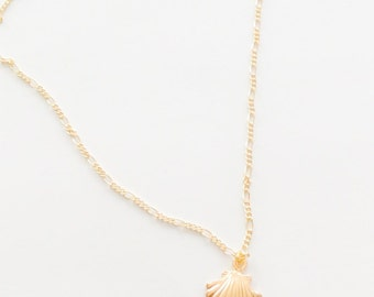 Seashell Necklace for Women ~ Gold Seashell Necklace ~ Ocean Jewelry ~ Beach Bridesmaids Necklace ~ Gift for her