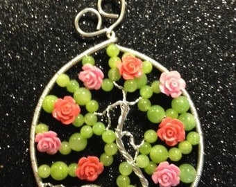 Tree of Life Pendant, Green Jade with Lucite Roses, Silver Plated Wire   GWL-311