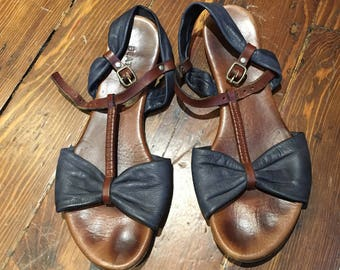 Sweet Leather Bow T- Strap Wedge Sandals (39)