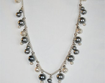 Silver & gray pearl glass bead necklace N104
