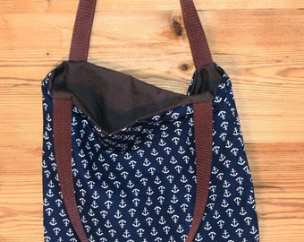 With anchor motif of anchor bag shoulder bag