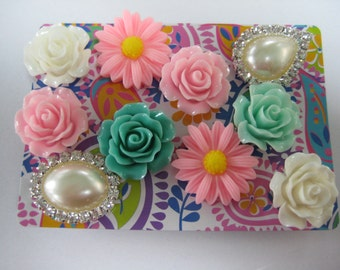 Decorative Thumbtacks, Push Pins Set, Bulletin Board Tacks, Push Pins, Thumb Tacks, Office, Cork Board, Cubicle Decor, Flowers Pearls/15