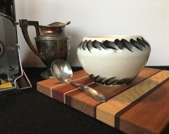 Delphinus Vase