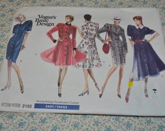 Vogue 2102  Misses/ Misses Petite Dress Sewing Pattern - UNCUT -  Size 12 14 16