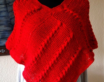 Knitted poncho, red,