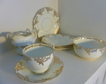 Gold and White Collingwood bone china dessert set complete for 5