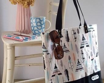 Tote bag, shoulder bag, handbag, book bag, shopping bag, roomy bag