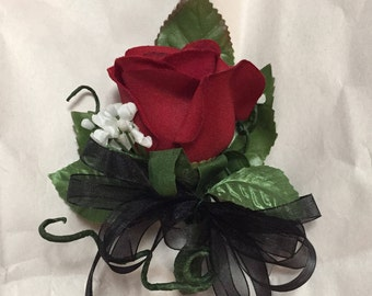 Single red rose pin corsage