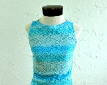 The Felicity: Vintage 90s Ombre Blue Tank