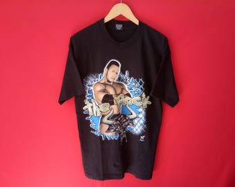 vintage The Rock professional hardcore wrestler mens t-shirt