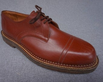 1940's men's shoes. Cap toe shoes 1940's vintage