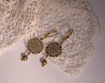 Small earrings sleepers Golden, print with true pearls bronze