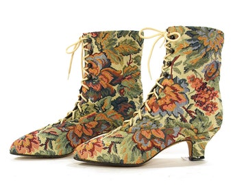 80s Lace Up Ankle Boots / Vintage 1980s Antique Inspired Floral Tapestry Fabric Booties / Granny Prairie Pixie Boots / Women's Size 6.5 or 7