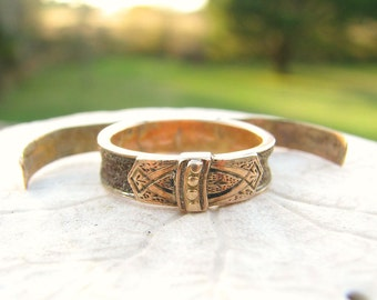 Antique Georgian to Victorian Secret Compartment Gold Hair Ring, Beautiful Engraving, 14K Gold, Love Token or Memorial Mourning Ring