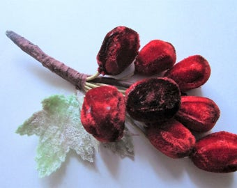 8 Luscious Red Velvet Cherries Fruit Millinery Hat Trims Wired Vintage 1950s Rockabilly Leaves