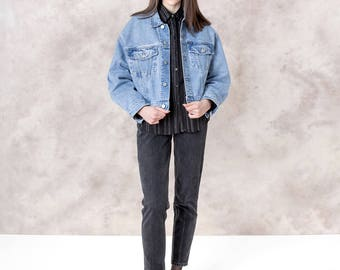 GUESS oversize DENIM jean JACKET 90s boxy Cropped women Medium / Large spring fall Better stay Together