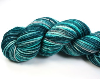 Jack Frost--hand dyed worsted weight, merino superwash (218yds/100gm)