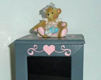 Musical photo box with baby bear