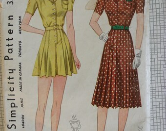 "Late 1930s / 1940s Playsuit & Skirt - 34"" Bust - Simplicity 3304 - Vintage Sewing Pattern"