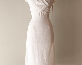 Vintage 1950's White Cotton Wiggle Dress ~ Vintage 50s Lou-ette White Cotton Bombshell Dress