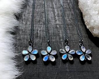 Rainbow moonstone necklace | moonstone jewelry | rainbow moonstone pendant | moonstone necklace