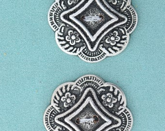 Button set of 4 , 2 hole , Plated plastic , Antique silver finish , sold 4 each OB9713AS