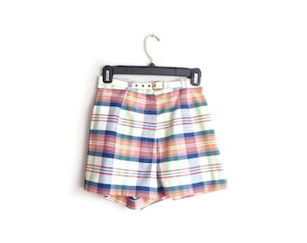 Size XS // PLAID SHORTS // High Waist - Mod - Mad Men - Matching Belt - Summer - Vintage '60s.