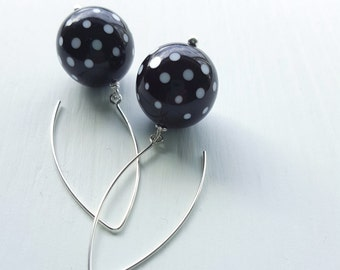 dixie earrings, black - vintage lucite and sterling