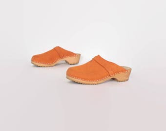 Vintage 80s Suede CLOGS / 1980s Orange Platforms 8 1/2 39