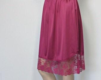 Vintage Half Slip Plum Maroon Lace Nylon Petticoat Vanity Fair Tagged Size Med L