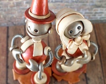Robot Thanksgiving Pilgrim Couple GEEKY HOLIDAY Sculpture