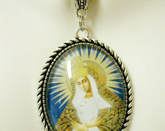 Our Lady of Gate of Dawn pendant and chain - AP09-174