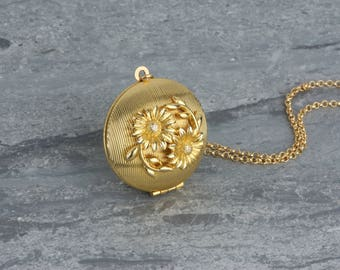 Vintage Daisies Locket Necklace on a Long Gold Chain, Daisy Flowers Pendant, Perfume Jewelry, Striped Jewellery
