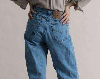 Vintage 90s Levi's Medium Wash 550 Jeans / High Waisted Levi Jean / Tall