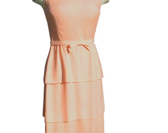 Vintage Late 50s Early 60s Tiered Lanz Wiggle Dress 34 bust 26 waist Peachy Pinky Coral