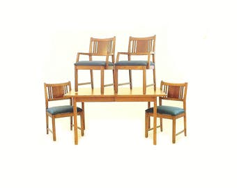 Vintage Modern Dining Set In Navy Blue Linen